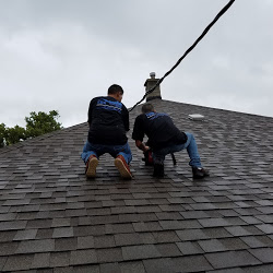 Gallery: Chicago Roofing Solutions Crew